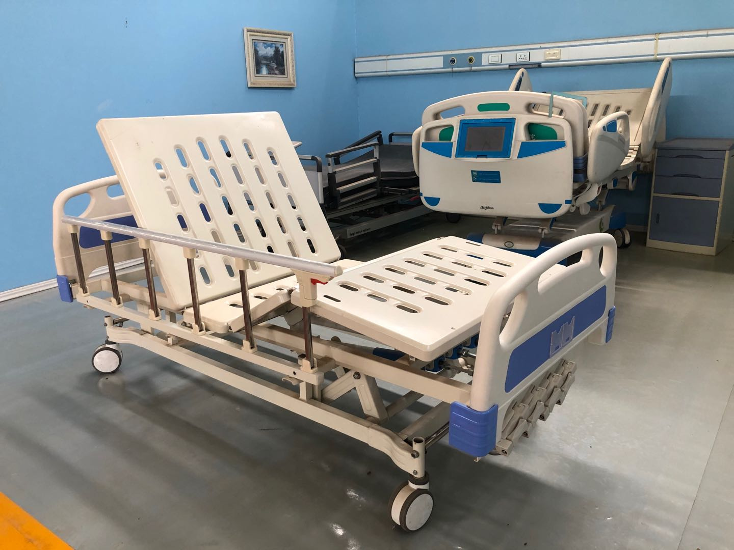 4 crank hospital bed back and knee contour position